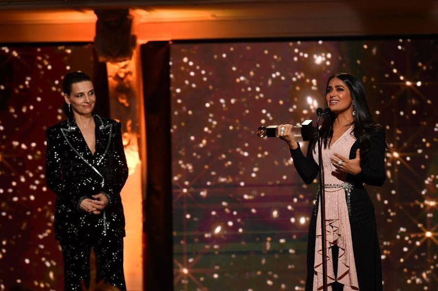 Salma Hayek (Globe d'Honneur international)à la 14ème cérémonie des Globes de Cristal, à la salle Wagram à Paris, le 4 février 2019