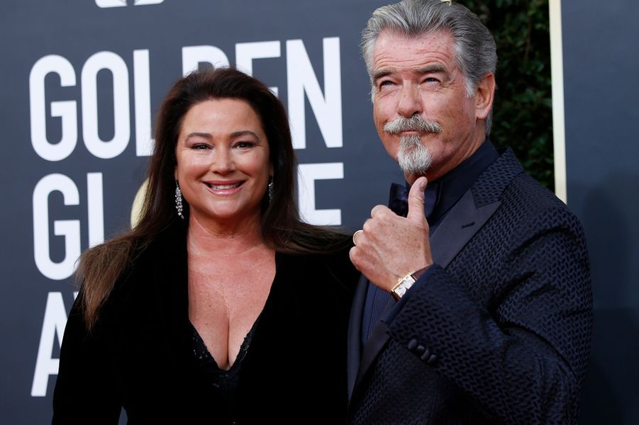 Keely Shaye Smith et Pierce Brosnan à la 77e édition des Golden Globes à Los Angeles le 5 janvier 2020