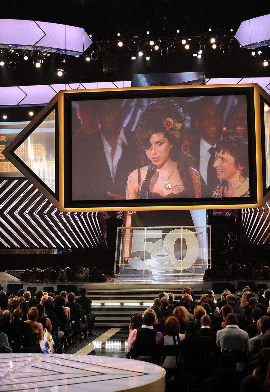 """Le 10 février 2008, Amy Winehouse, alors en duplex de Londres, avait remporté cinq prix pour son album """"Back to Black""""."""