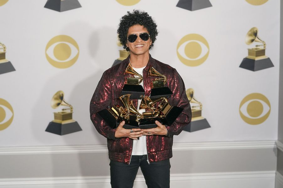 """En 2018, Bruno Mars était le grand vainqueur de la 60e édition des Grammy Awards, remportant six trophées dont celui du meilleur album de l'année pour """"24K Magic""""."""