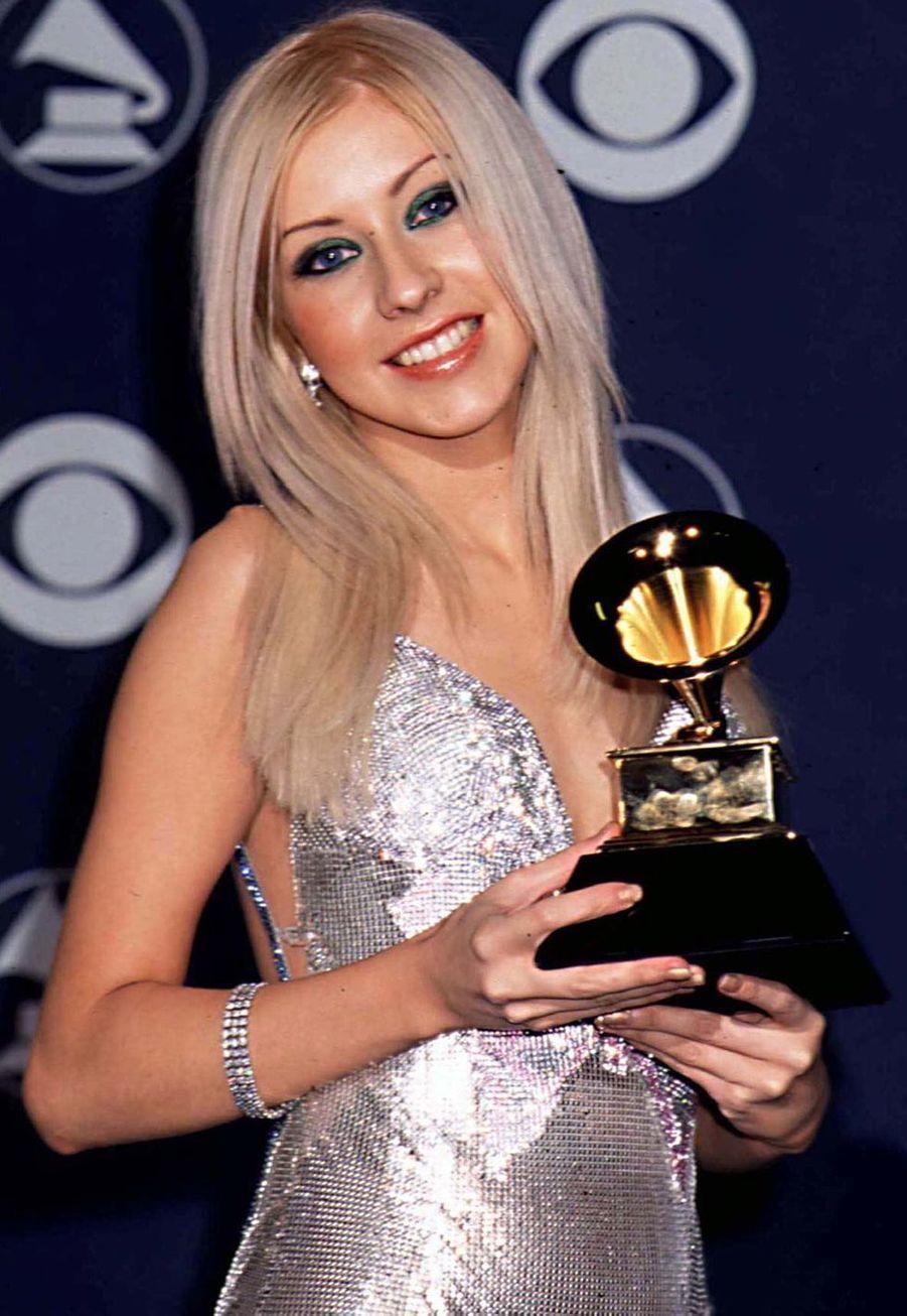 Christina Aguilera aux Grammy Awards le 23 février 2000. Débutant sa carrière, elle avait remporté le prix du meilleur nouvel artiste.