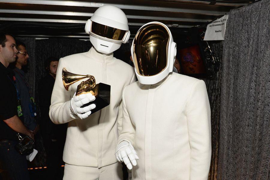 """Le 26 janvier 2014, les Daft Punk étaient les grands vainqueurs avec cinq Grammy Awards dont album de l'année pour """"Random Access Memories""""."""