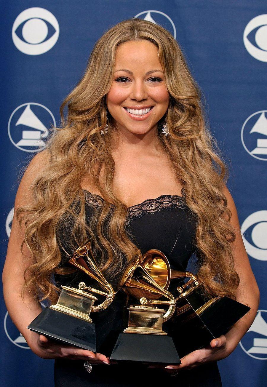 """Mariah Carey aux Grammy Awards le 8 février 2006. La chanteuse avait remporté trois prix dont celui dumeilleur album R&B contemporain pour """"We Belong Together""""."""