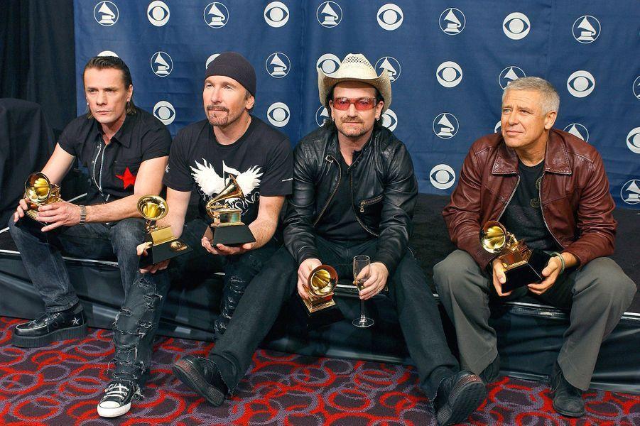"""En février 2006, U2 faisait son retour victorieux en remportant pas moins de cinq Grammy Awards, dont album de l'année pour """"How to Dismantle an Atomic Bomb""""."""