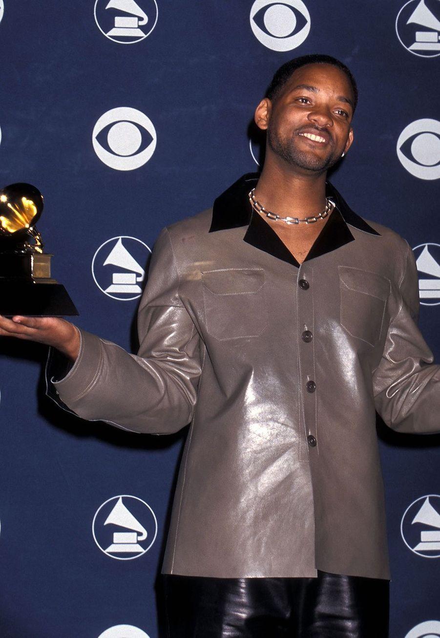 """Will Smith aux Grammy Awards le 24 février 1999. Il avait remporté le trophéede la meilleure prestation rap solopour son tube """"Gettin' Jiggy Wit It""""."""