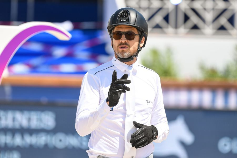 Guillaume Canet a terminé 5ème du Prix «Nostalgie Cote d'Azur» au jumping Longines Global Champions tour de Cannes le 6 juin 2019.