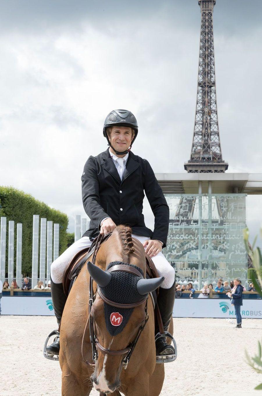 Guillaume Canet en forme au Longines Paris Eiffel Jumping, à Paris