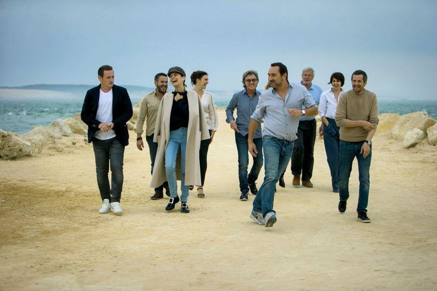 Sur le tournage, emmenée par un Gilles Lellouche au pied marin, l'équipe des « Petits mouchoirs » a le vent en poupe.