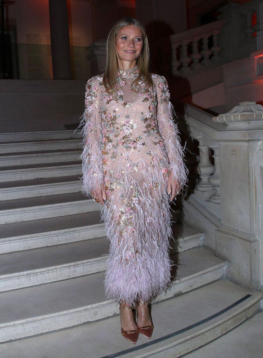 Gwyneth Paltrowau vernissage de l'exposition Harper's Bazaar au Musée des Arts décoratifs, à Paris, le 26 février 2020.