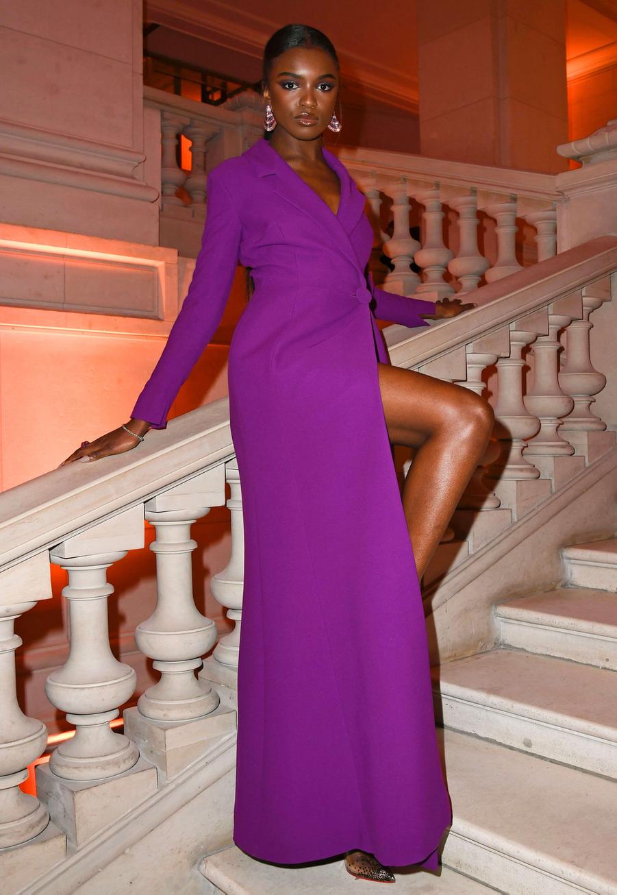 La mannequin Leomie Anderson au vernissage de l'exposition Harper's Bazaar au Musée des Arts décoratifs, à Paris, le 26 février 2020.