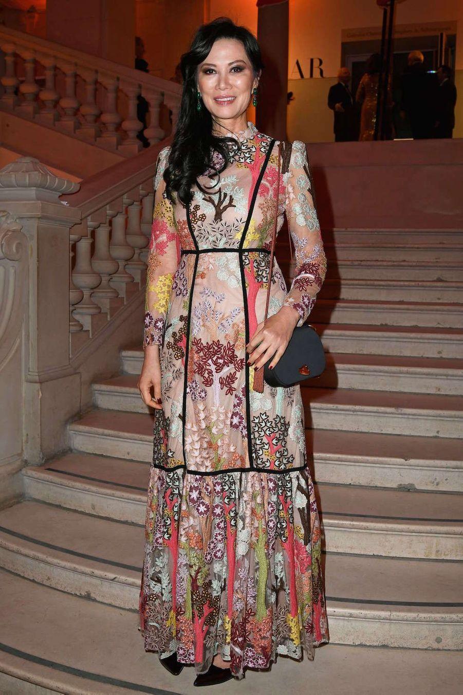 La femme d'affaires Wendi Murdoch au vernissage de l'exposition Harper's Bazaar au Musée des Arts décoratifs, à Paris, le 26 février 2020.