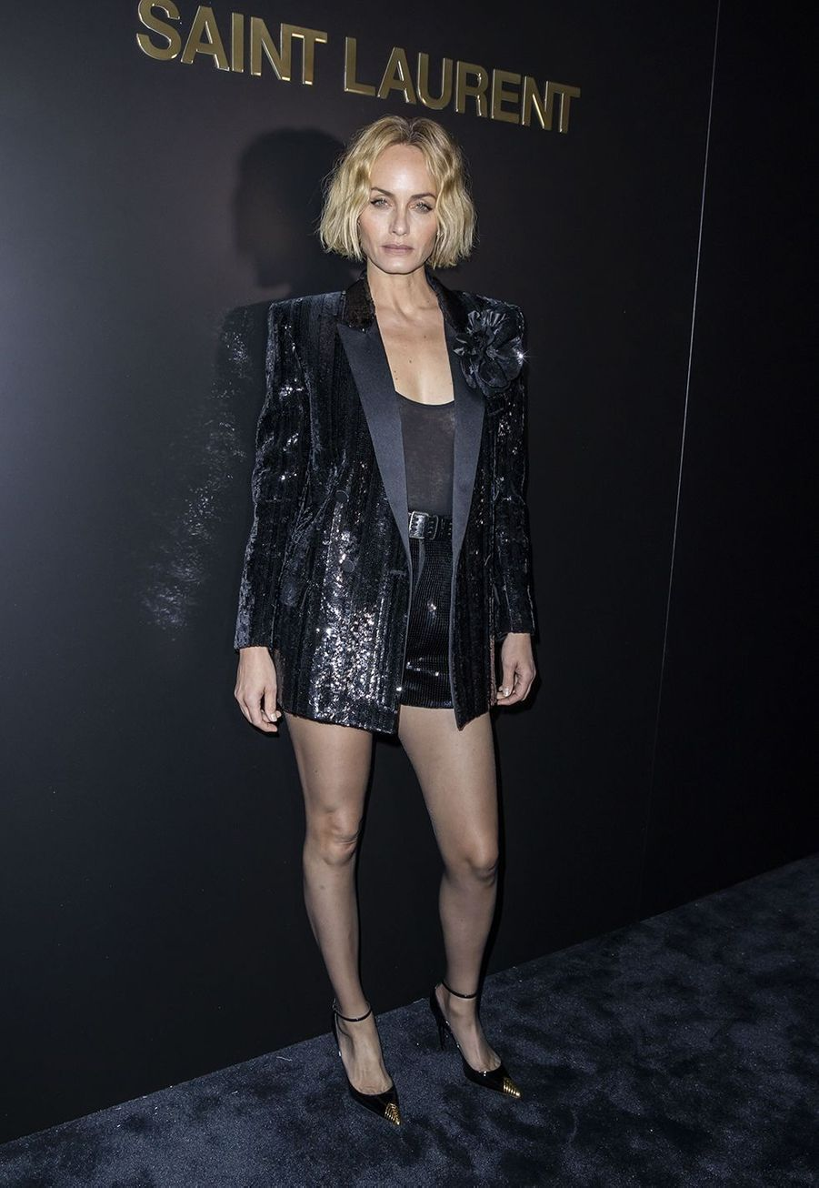 Amber Vallettaau défilé Saint Laurent à Paris le 25 février 2020
