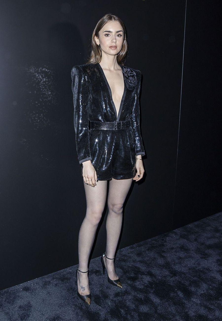 Lily Collinsau défilé Saint Laurent à Paris le 25 février 2020
