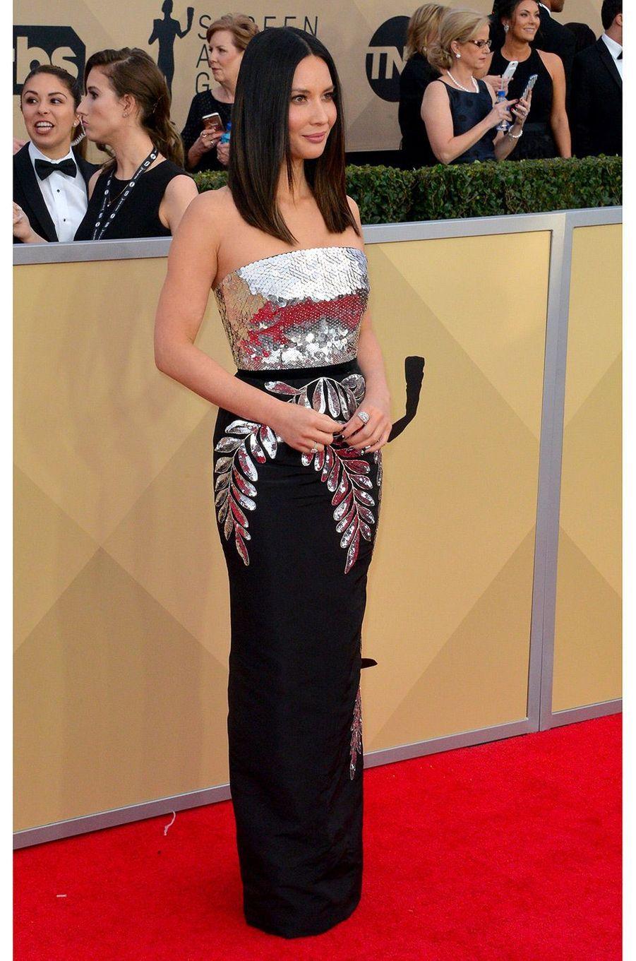 Olivia Munn en Oscar de la Renta