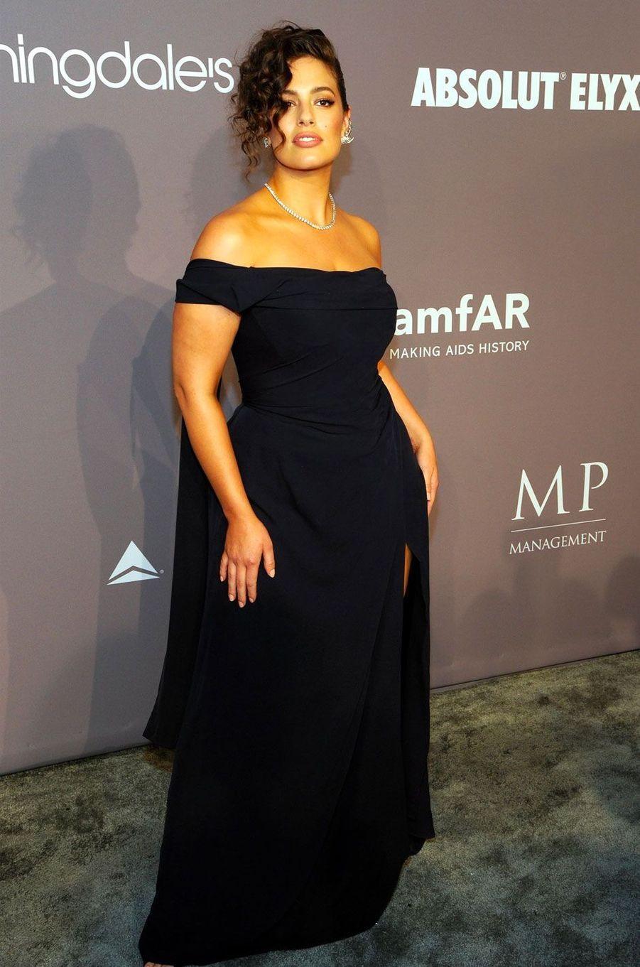 Ashley Graham au gala de l'amfAR à New York le 7 février 2018