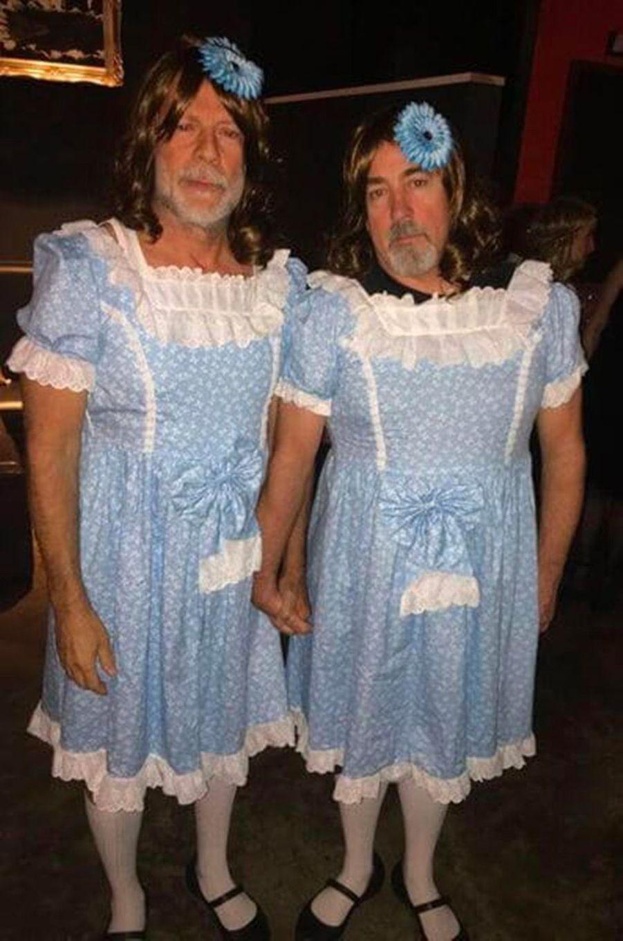 """Bruce Willis et Stephen Eads en jumelles de """"The Shining""""pour Halloween 2017"""