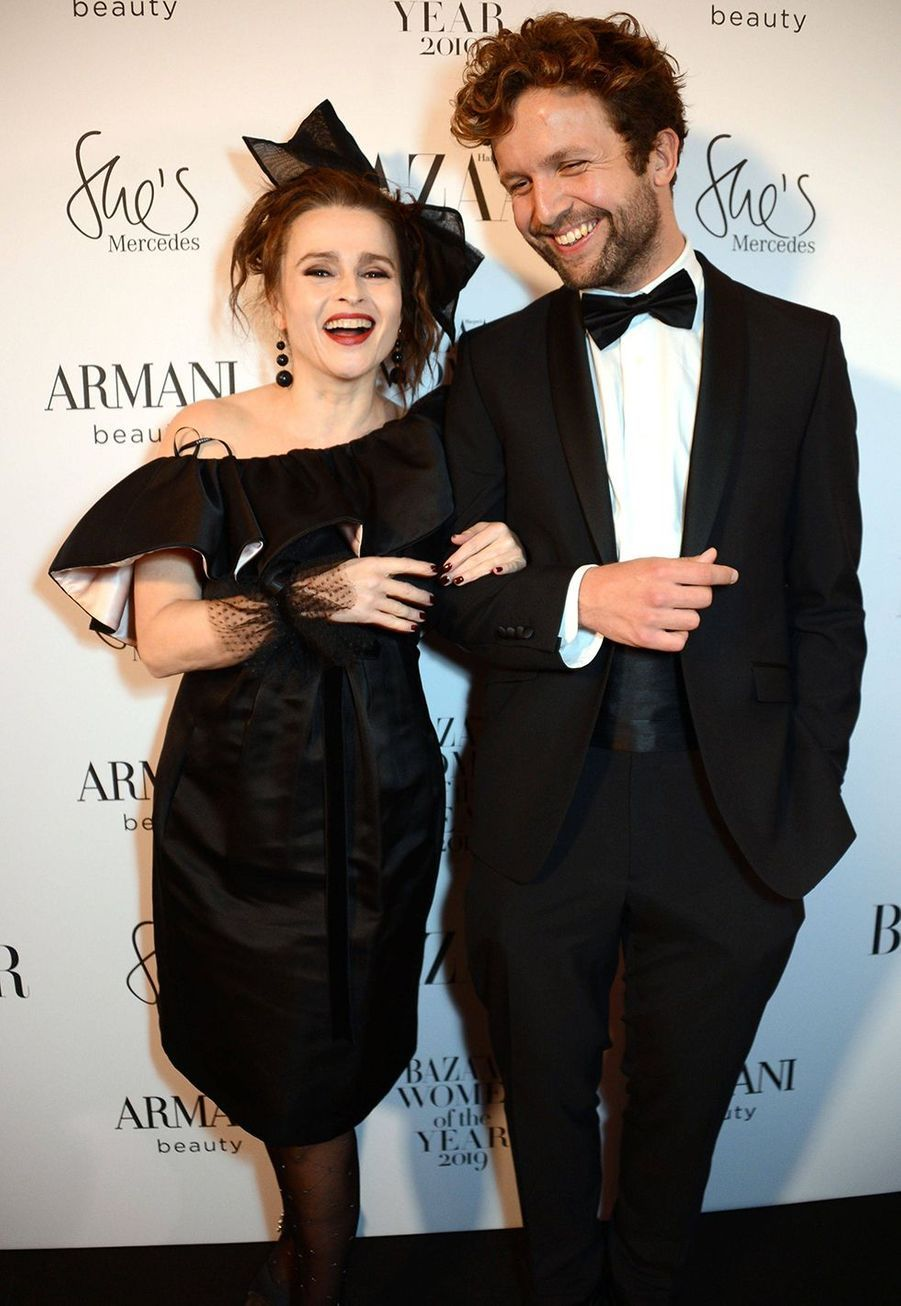 Helena Bonham Carter et Rye Dag Holmboe à la soirée Harper's Bazaar Women of the Year Awards à Londres le 29 octobre 2019