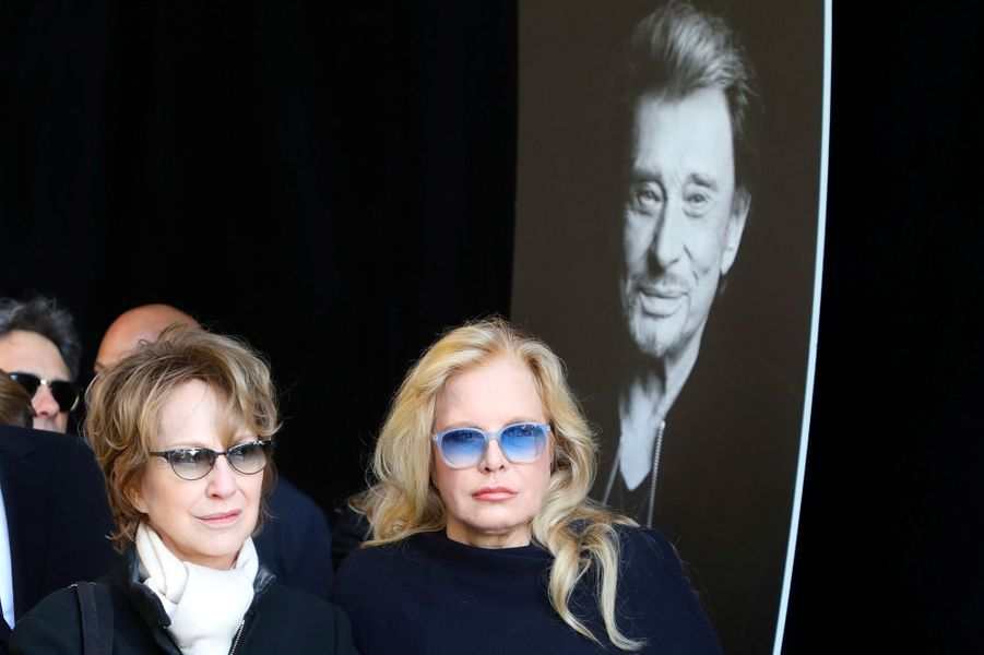 Nathalie Baye et Sylvie Vartan à la Madeleine pour l'hommage à Johnny Hallyday