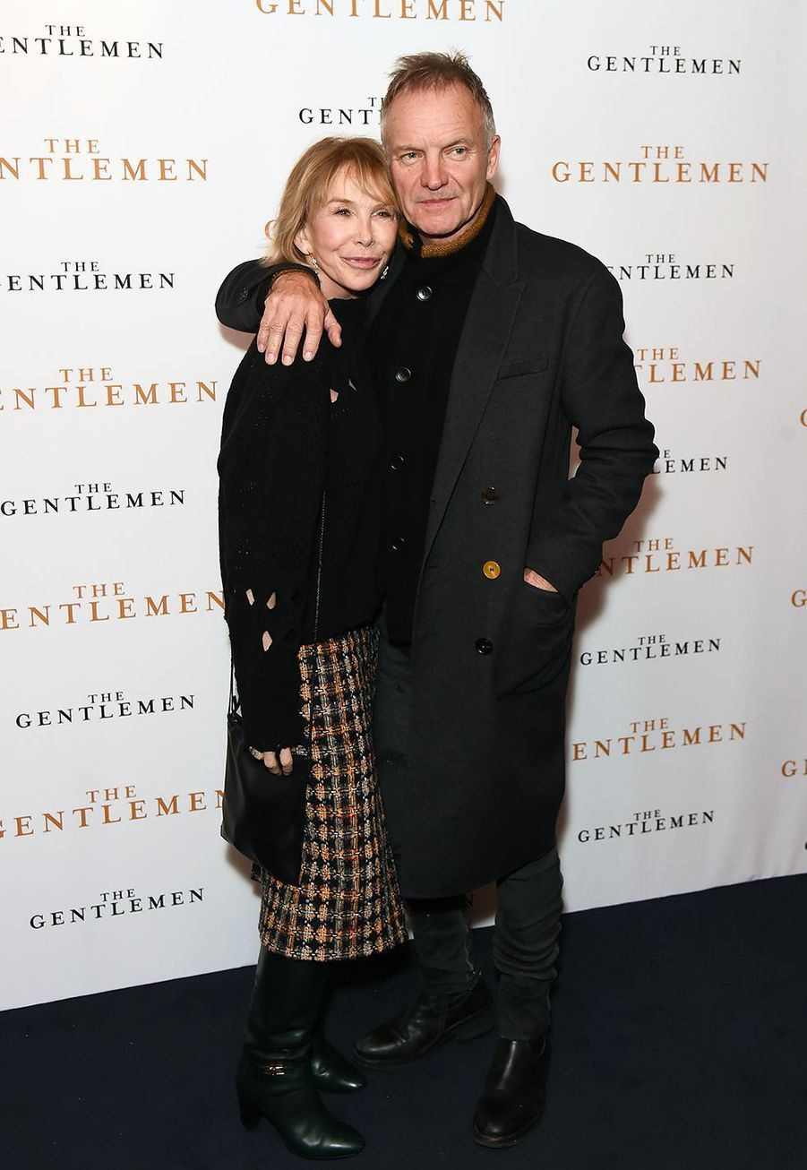 """Stinget sa femme Trudie Stylerlors de la première du film """"The Gentleman"""" à Londres le 3 décembre 2019."""