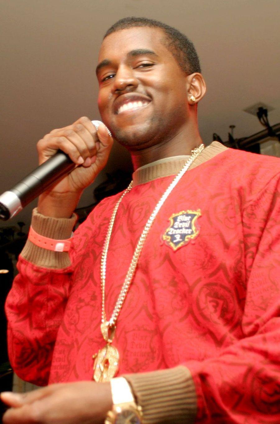 Kanye West souriant