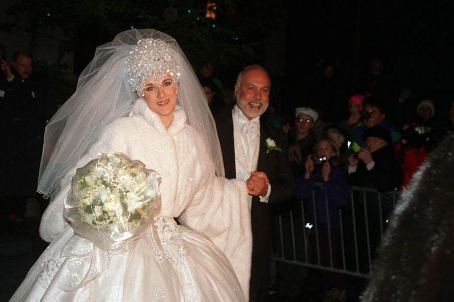 René Angélil se marie une troisième fois, le 17 décembre 1994, à la Basilique Notre-Dame de Montreal, avec Celine Dion.