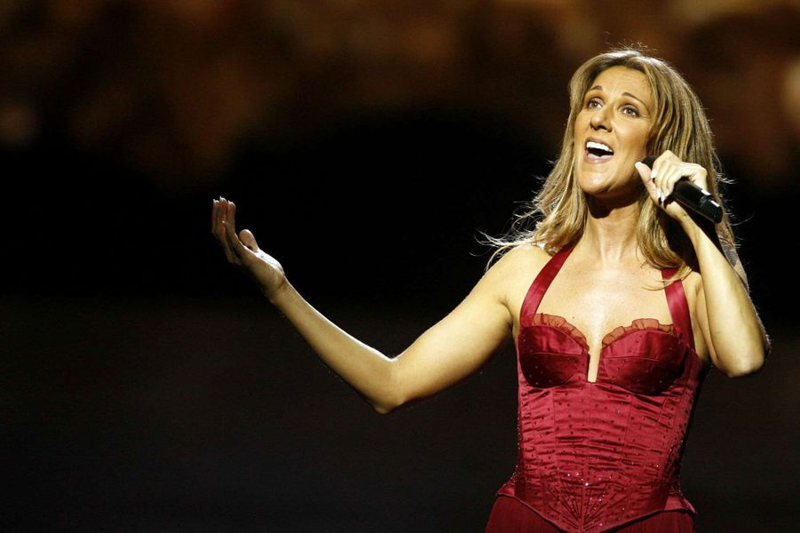 Céline Dion chante en 2006.
