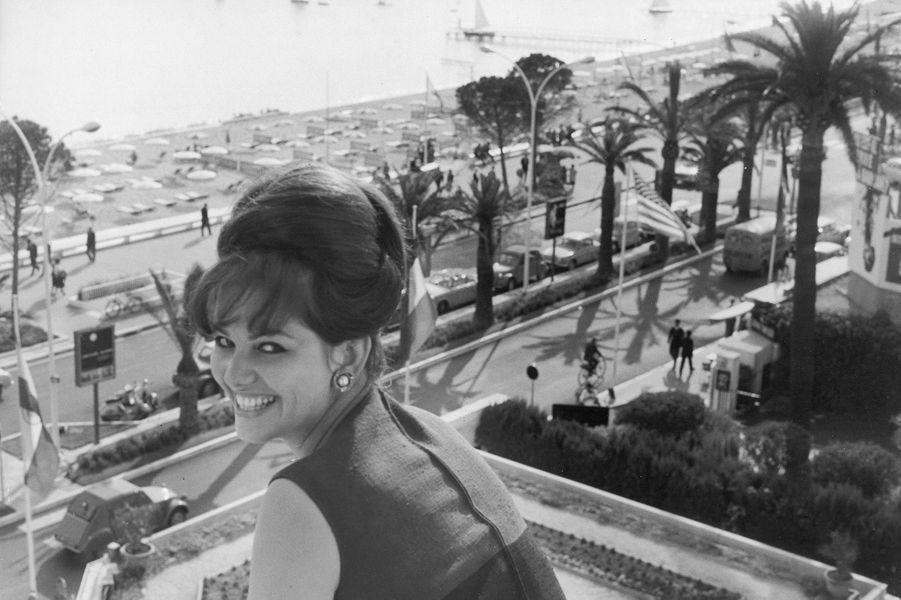 Claudia Cardinale au festival de Cannes en 1963.