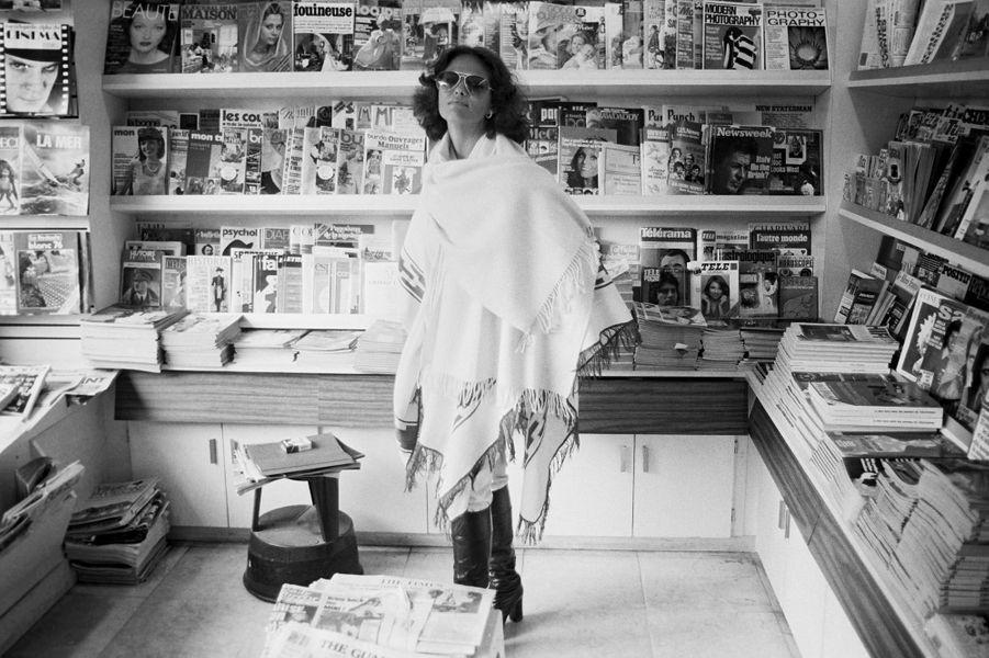Claudia Cardinale à Paris en 1976.