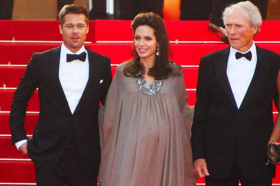 Festival de Cannes 2008: Le ventre rond d'Angelina JolieEntre 2005 et 2016, Angelina Jolie et Brad Pitt ont formé l'un des couples les plus glamour du cinéma. Une de leur apparition les plus remarqués: quand ils ont foulé le tapis rouge cannois tous les deux, alors que l'actrice était enceinte des jumeaux, Knox et Vivienne. Ventre rebondi, elle était tout sourire aux côtés de son mari et de Clint Eastwood. Deux mois plus tard, elle accouchait.
