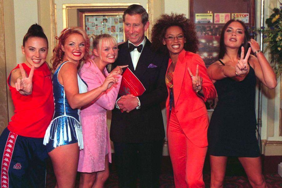 Les Spice Girls avec le Prince Charles en mai 1997