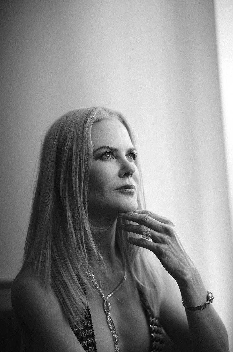 Nicole Kidman pose aux BAFTA 2017.