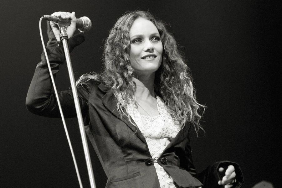 Vanessa Paradis en concert à Nice, en 2007.