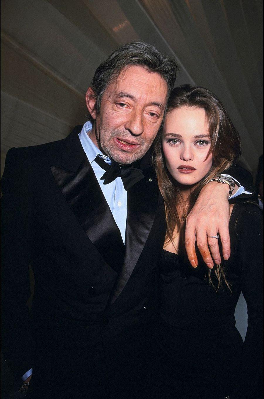 Vanessa Paradis avec Serge Gainsbourg en 1990.