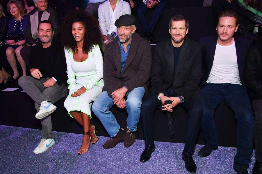 Gille Lellouche, Tina Kunakey, Vincent Cassel, Guillaume Canet et Benoit Magimel au défilé Etam, le 25 septembre 2018 à Paris