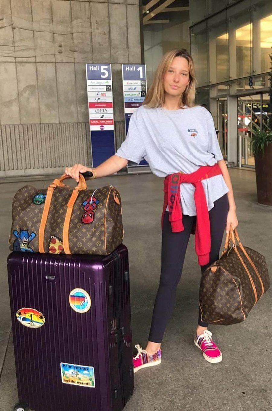 Ilona Smet à l'aéroport de Bali, en juillet 2017.