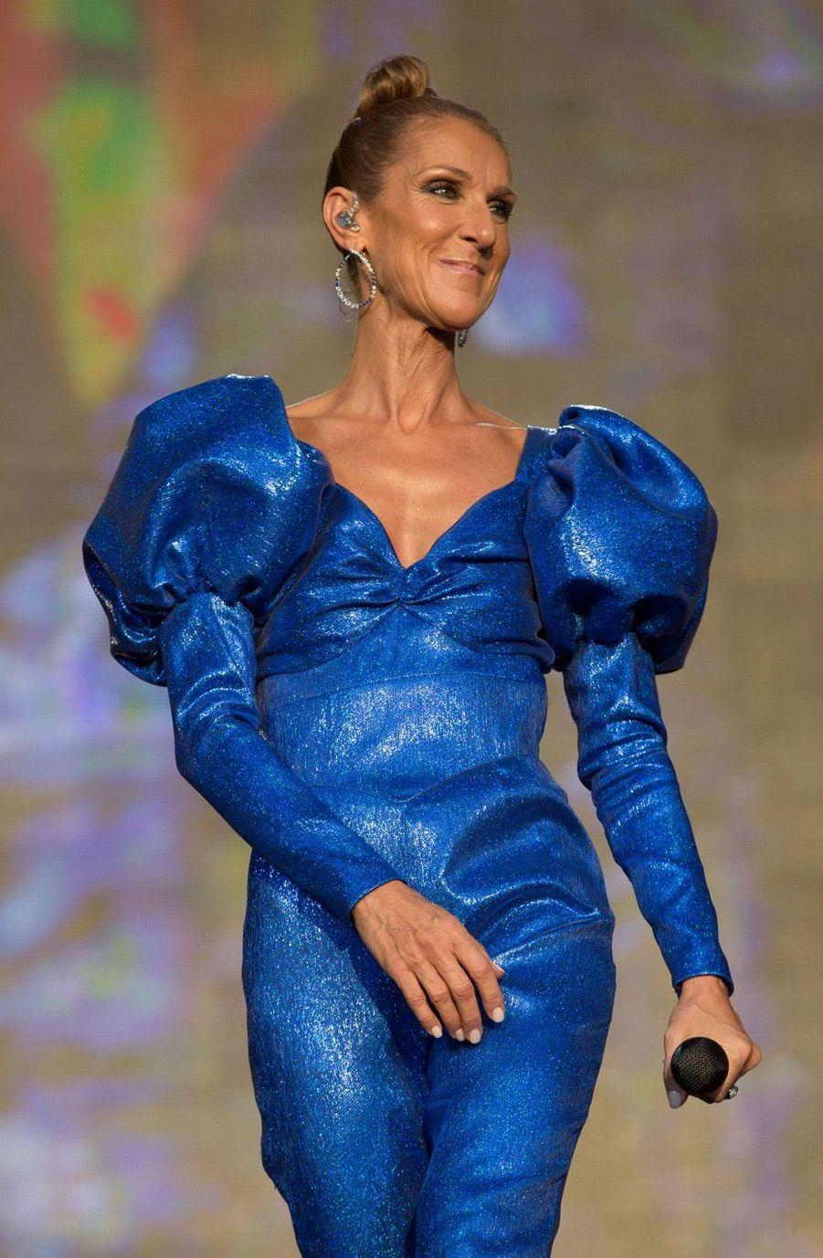 Avec son mari René Angélil, Céline Dion a eu recours à des FIV pour mettre au monde ses trois enfants, René-Charles (18 ans) et Nelson et Eddy (9 ans). La chanteuse avait également subi une fausse couche en 2009, avant de tomber enceinte de ses jumeaux.