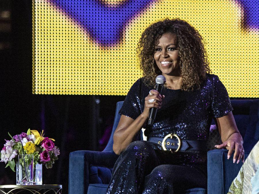 Michelle Obama a révélé dans son livre autobiographique «Becoming» (paru en 2018) qu'elle avait subi une fausse couche il y a vingt ans et qu'elle avait eu recours à la fécondation in vitro pour concevoir ses deux filles, Malia et Sasha.