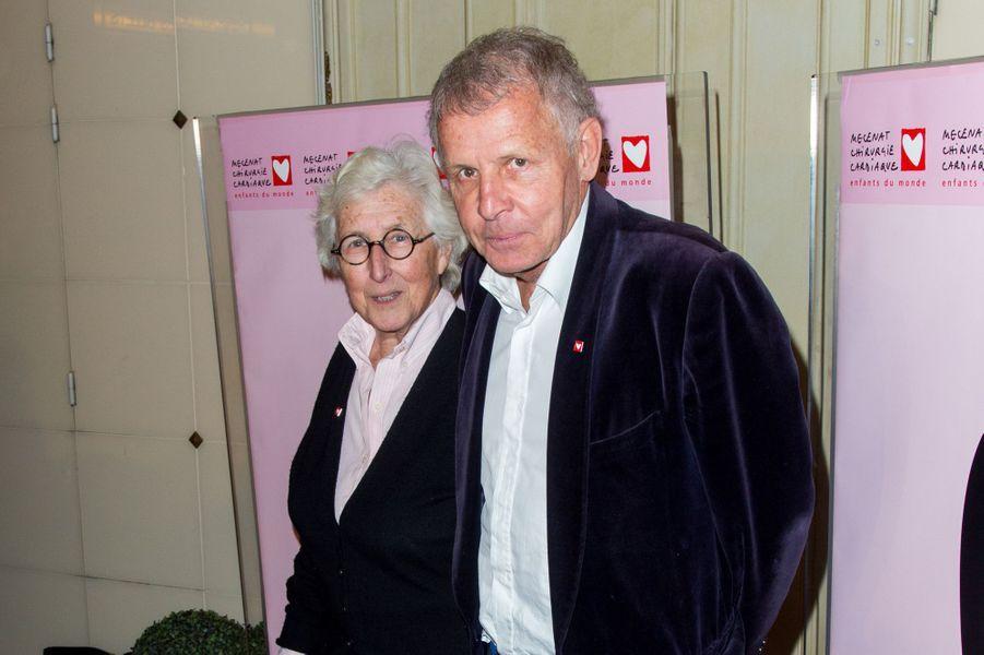 Patrick Poivre d'Arvor et le docteur Francine auGaladu coeur deMécénat Chirurgie cardiaque, à Paris le 30 janvier 2017.