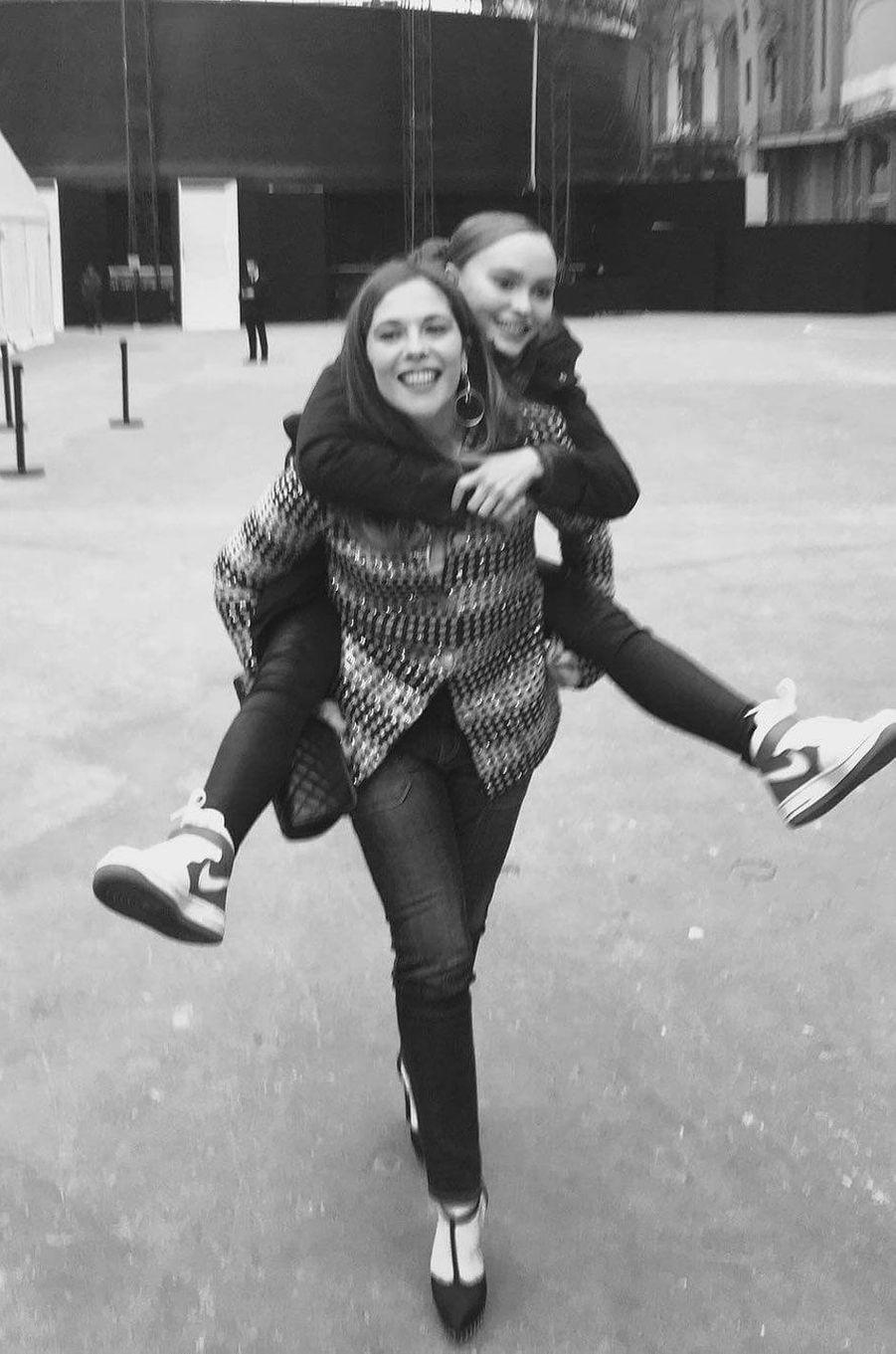 Avec Lily-Rose Depp