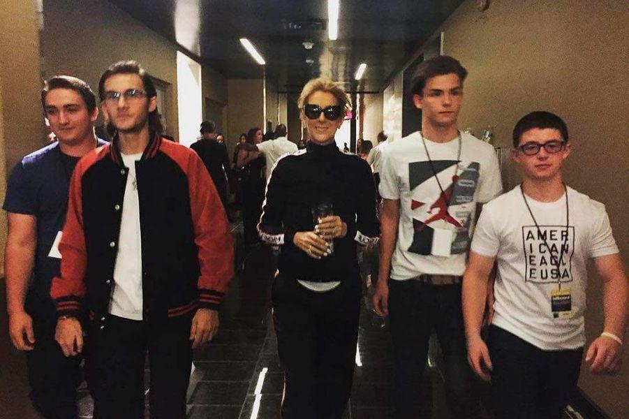 Céline Dion et son fils (à gauche)