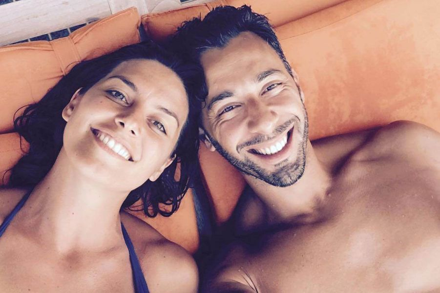 Laetitia Milot en vacances en amoureux avec Badri.