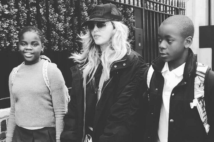 Madonna avec ses enfants David et Mercy James.