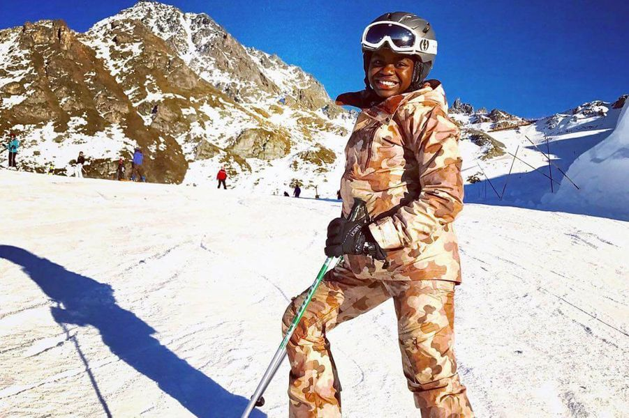 Mercy James en vacances au ski.