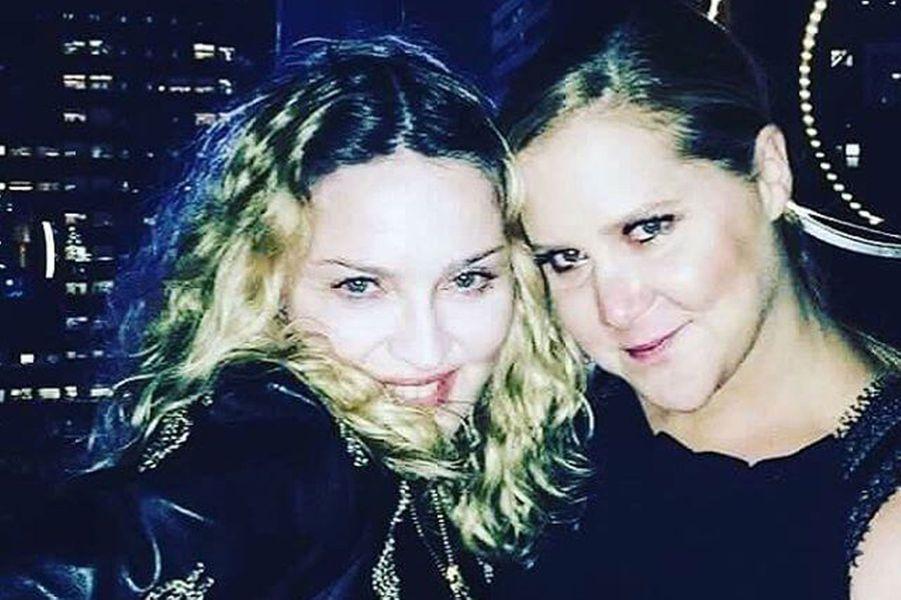 Madonna et Amy Schumer.