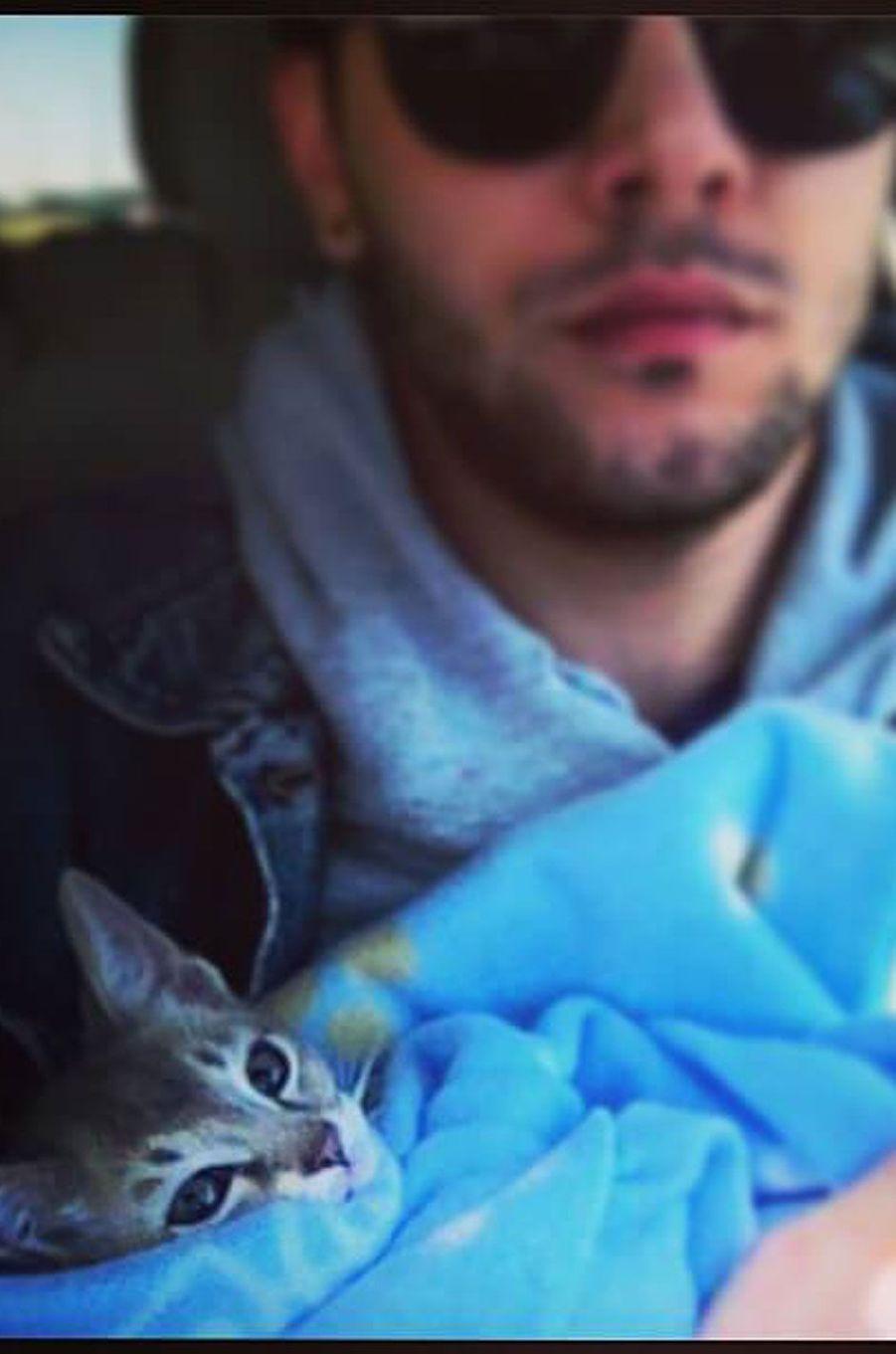 Xavier avec son chat Jack.