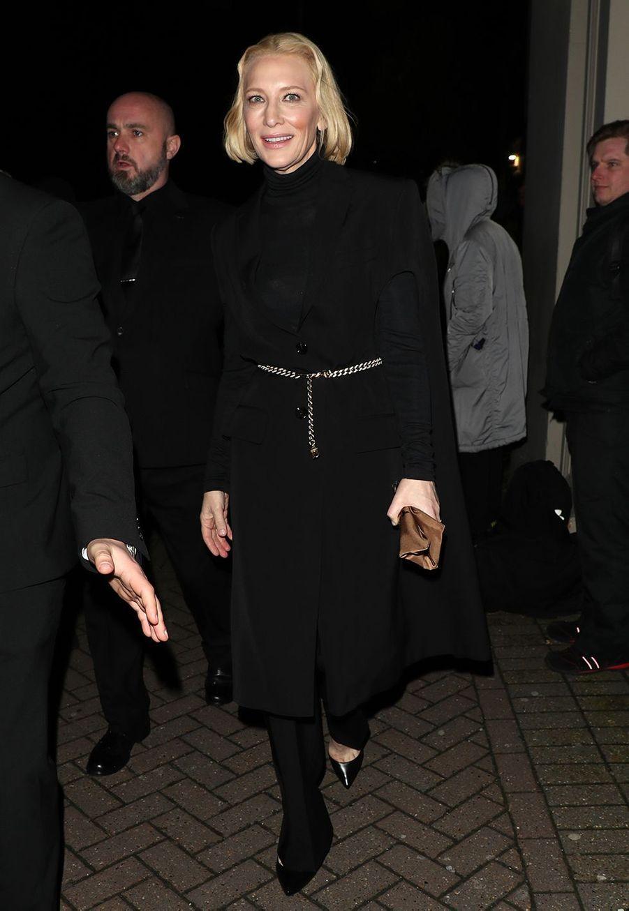 Cate Blanchettarrive au défilé Burberry lors de la Fashion Week de Londres le 17 février 2020.