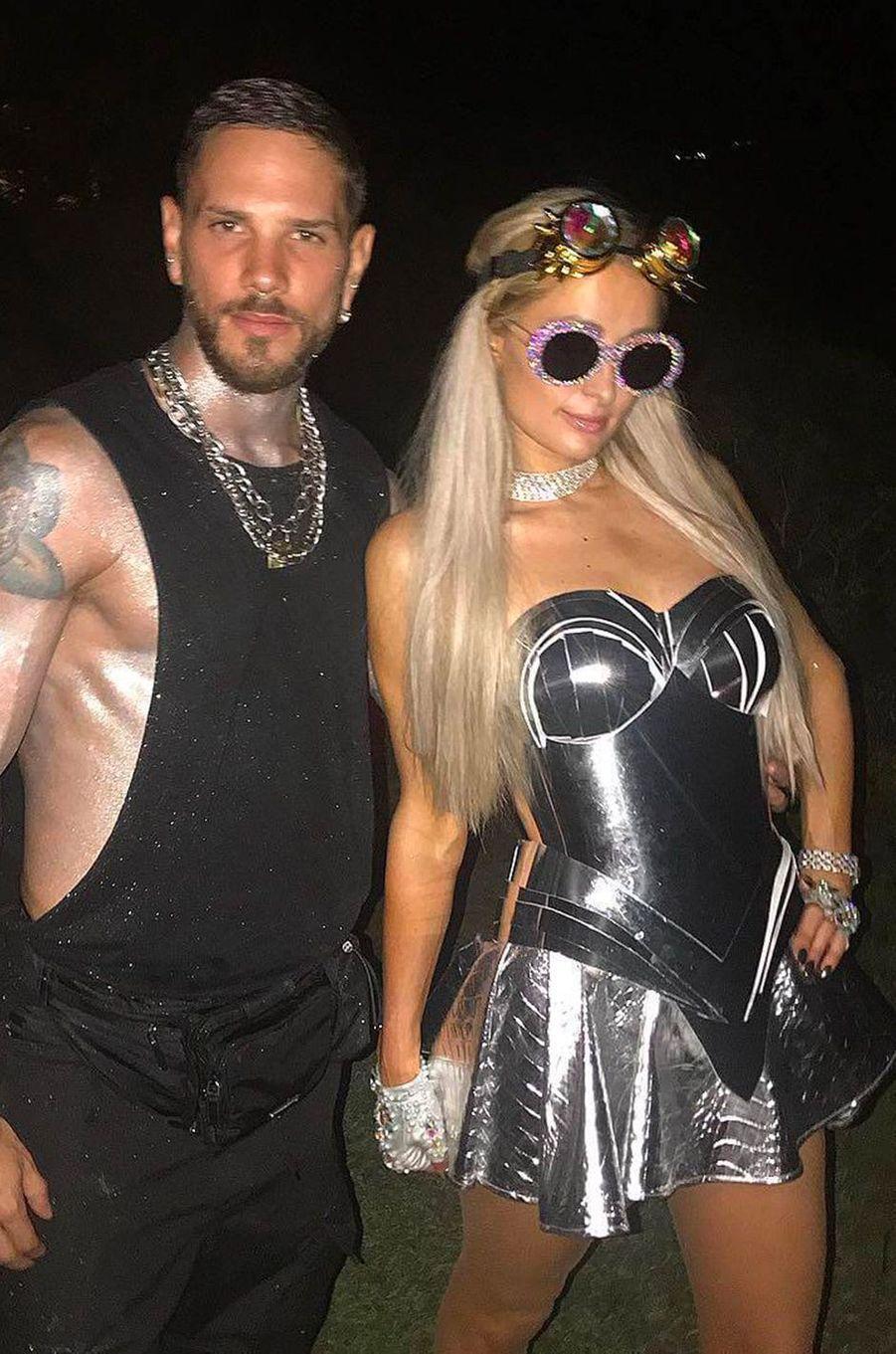Alberto Brasola Barina et Paris Hilton à Ibiza