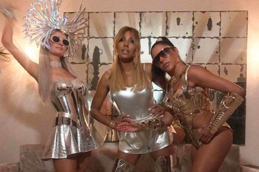 Cathy Guetta avec Paris Hilton et Marina Morena à Ibiza