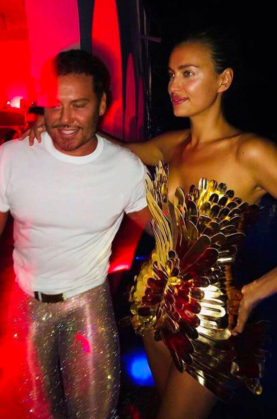 Irina Shayk et Mert Alas à Ibiza