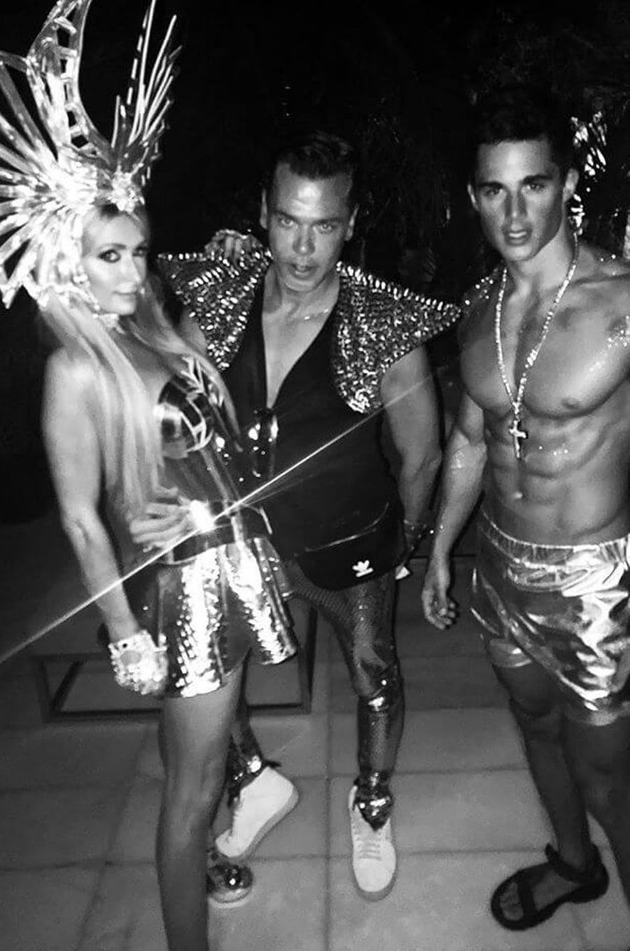 Paris Hilton, Marcus Piggott et Pietro Boselli à Ibiza
